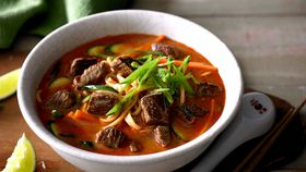 Lamb and vegetable laksa with hokkien noodles recipe