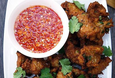 "<a href=""http://kitchen.nine.com.au/2016/05/05/09/53/hawkerstyle-thai-fish-cakes-with-dipping-sauce"" target=""_top"">Hawker-style Thai fish cakes with dipping sauce</a>"