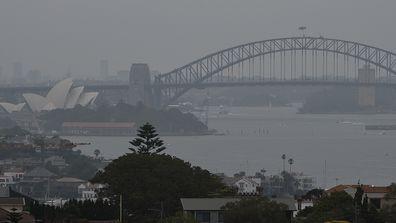 Asthma warning as bushfire smoke shrouds major cities