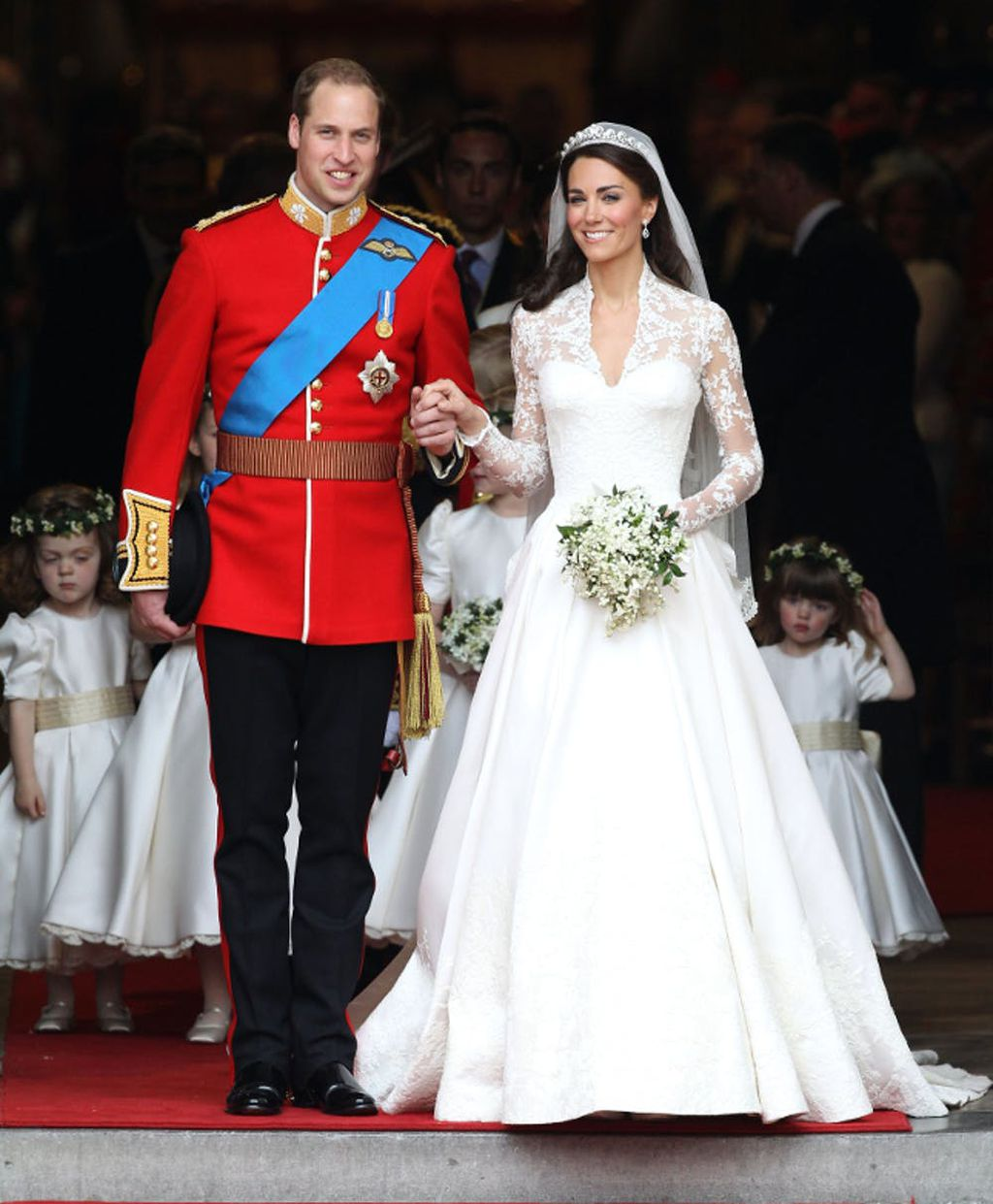 Buy Kate Middleton\'s wedding dress for $325