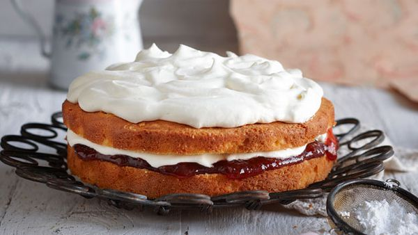 Jan's never-fail custard cake