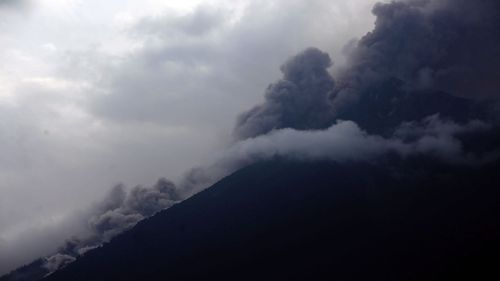 An eruption of  volcano, Volcan de Fuego, has killed at least six people in Guatemala.