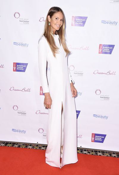 """Australian supermodel Elle Macpherson isn&rsquo;t called 'The Body' for no reason.<br /> <br /> The 53-year-old&rsquo;s flawless physique and glowing skin dominated the covers of<em> Elle </em>and <em>Sports Illustrated</em> in the &lsquo;80s and &lsquo;90s, but it&rsquo;s not pricey creams that Macpherson has to thank.<br /> <br /> The model-turned-entrepreneur has revealed the one beauty product she swears by to keep her skin in shape, an exfoliator. <br /> <br /> """"Exfoliating every morning is my non-negotiable,"""" Macpherson revealed to <em><a href=""""https://www.net-a-porter.com/au/en/porter/article-eb4a55f64a6512c1/beauty/mind-and-body/elle-macpherson-daily-routine"""" target=""""_blank"""">Porter</a></em><a href=""""https://www.net-a-porter.com/au/en/porter/article-eb4a55f64a6512c1/beauty/mind-and-body/elle-macpherson-daily-routine"""" target=""""_blank""""> Magazine.</a><br /> <br /> """"I dry brush, wet brush, use scrubs in the shower &ndash; I&rsquo;ll try any scrub! I find it&rsquo;s the best detox for skin and helps boost my circulation, shed dead skin cells, and nourishes and renews my super-dry skin.""""<br /> <br /> The mother-of-two may be on to something. <br /> <br /> Exfoliators have come a long way from the harsh scrubs of yesteryear. These days, they do everything from reduce the signs of ageing to smooth out uneven complexions. <br /> <br /> While some products are designed for daily use, most exfoliators should only be used once or twice a week and you should look for formulas that are gentle on skin.<br /> <br /> Scrub away the last bits of summer with ten of our favourite exfoliants that would surely get Elle&rsquo;s tick of approval."""