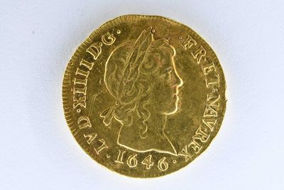 Builders discover gold coins worth up to $494,000