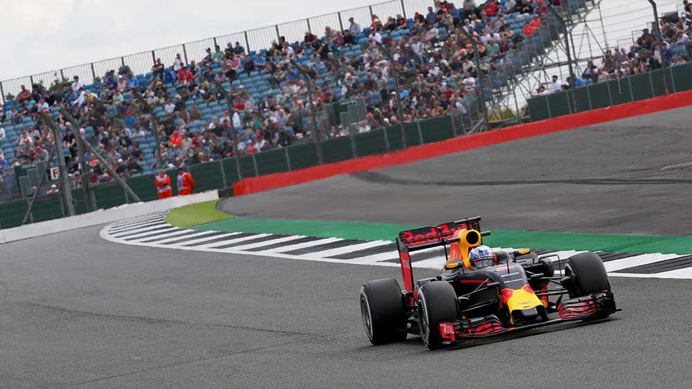 Aussie driver Daniel Ricciardo competes ate the British F1 at Silverstone. (AAP)