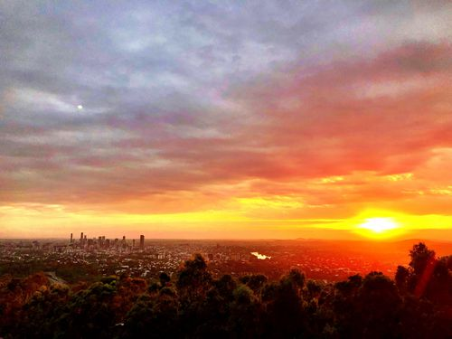 Good morning Brisbane.  A shot taken at Mount Coot-tha this morning.  (Picture: Howie Bennett)