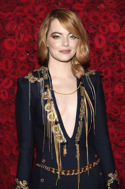 <p>Emma Stone has some of the most mesmerising eyes in Hollywood, so it's only natural that her go-to makeup artist, Rachel Goodwin, wanted to make them a stand out on the red carpet. </p> <p>The pair have long favored beauty products by cult makeup brand, Nars, to create high-voltage looks with a sleek finish and this year's Met Gala was no different. The result? A glittering, flawless golden eye.</p>
