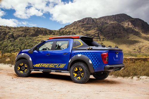 The finish on the Navara -as it's known in Australia - is a seriously eye-catching Thunder Blue.