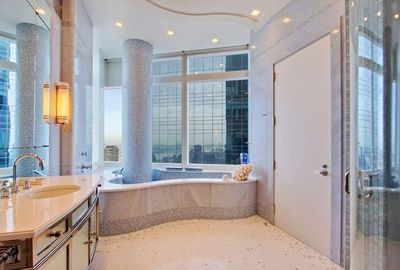 Another bathroom, with a jacuzzi.