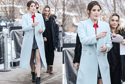 We're suprised there's any snow left in Park City, Utah. Ex-<i>How I Met Your Mother</i> star Cobie Smulders is in town for the Sundance Film Festival, and she's dressed to melt all of the white stuff.<br/><br/>The 32-year-old actress gave birth to her second child just three weeks ago, and she already looks as fit as she did last year on the set of <i>Avengers: Age of Ultron</i>. <br/><br/>From Kim Kardashian to Christina Aguilera, check out other new mums who rammed up the sexy after giving birth.