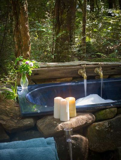 "<strong><a href=""http://www.canopycamping.co.nz/highfield-forest-retreat"" target=""_top"">High field Forest Retreat, Northland</a></strong>"
