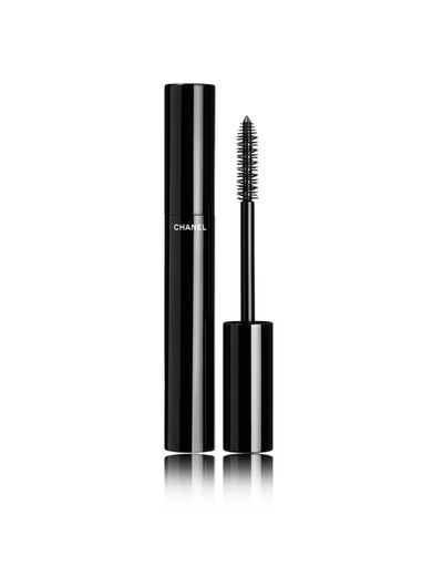 "<p>Face</p> <p><a href=""http://shop.davidjones.com.au/djs/en/davidjones/le-volume-de-chanel-mascara-2882-90756--1"" target=""_blank"" draggable=""false"">Chanel Le Volume De Chanel Mascara in Black, $56</a></p> <p>&nbsp;</p>"