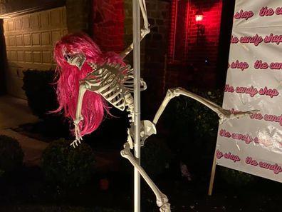 Stripper skeleton display for Halloween