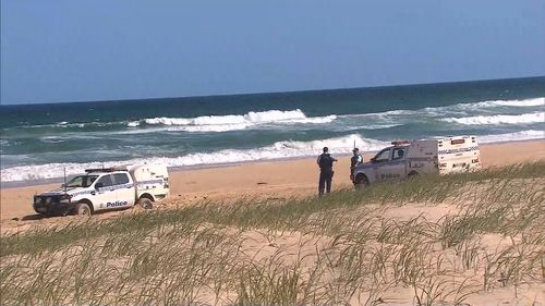 Missing Queensland spear fisherman's leg washes up hundreds of kilometres away in NSW