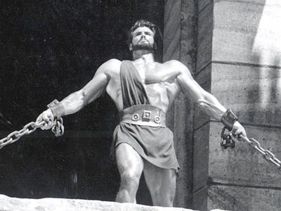 Playing a mythical Greek hero who displays feats of strength that are, well, Herculean, is no small task. As a result it was difficult to imagine anyone stepping into the legendary hero's sizeable shoes for this 1958 movie, until of course Mr Universe Steve Reeves accepted the role. He was an instant hit, helping to launch the swords and sandals genre we know and love today, as well as inspiring wannabe action heroes like Sly Stallone to hit the gym and follow in his footsteps.