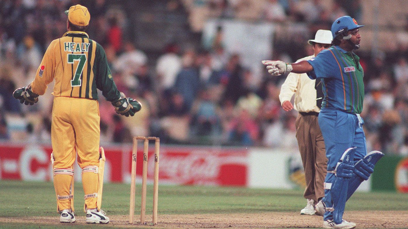 Ian Healy and Sri Lankan captain Arjuna Ranatunga exchange words during a match in 1995-96.