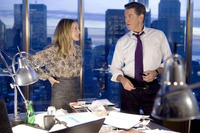 In an attempt to show us she's a working mum just like everyone else, SJP juggles a high-powered job (with a devoted assistant), a good husband (Greg Kinnear) and kids, and a handsome new office flirt (Pierce Brosnan). Just like everyone else, huh?!
