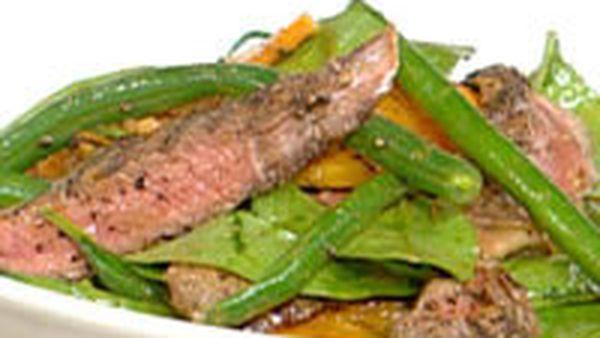 Warm peppered steak salad