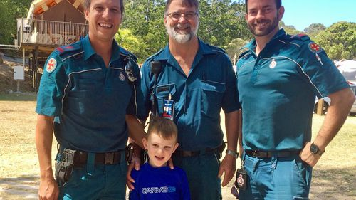 Queensland snake bite victim's chance reunion with paramedics