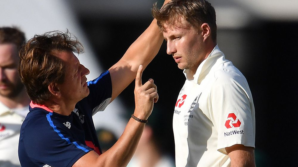 Ashes 2017: Joe Root struck in helmet by Mitchell Starc bouncer, cleared to play day 4
