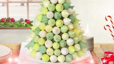 "Recipe: <a href=""https://kitchen.nine.com.au/2017/12/06/14/23/kirsten-tibballs-christmas-meringue-tree"" target=""_top"">Kirsten Tibballs' Bulla meringue Christmas tree</a>"