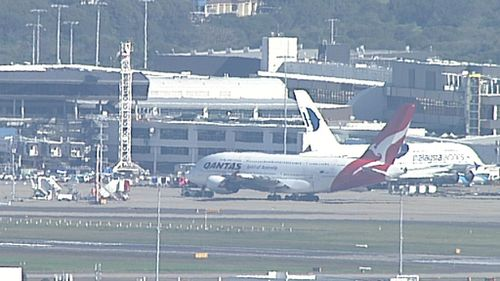 Qantas plane makes unscheduled stop in Sydney following mechanical issue