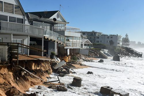 Collaroy homes hit by brutal king tides (AAP)