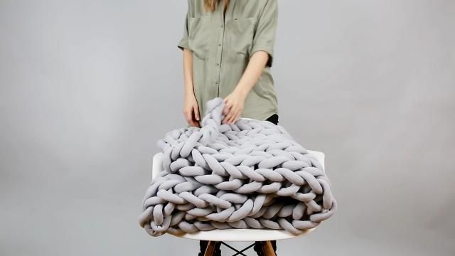 Make your own chunky knitted blanket