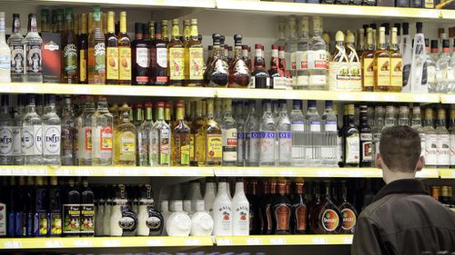 Australian doctors call for rise to legal drinking age