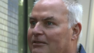 'I couldn't talk': First signs this man was having a stroke