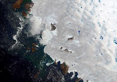 Sea levels rise after massive Greenland ice melt