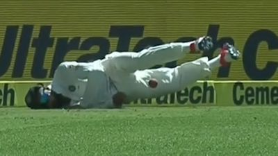 <strong>Virat Kohli puts his body on the line and his shoulder gives way</strong>