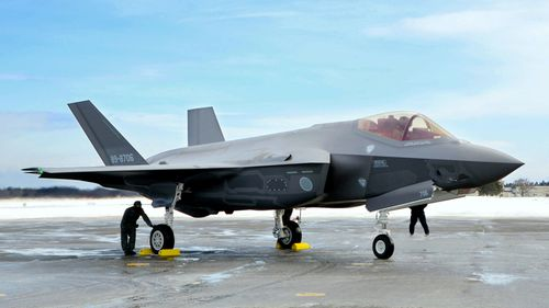 News World Japanese fighter jet F-35 missing Pacific Ocean training flight exercise