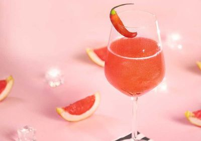 "<a href=""http://kitchen.nine.com.au/2017/03/17/11/05/the-spark-by-fernando-alonso-sparkling-grapefruit-cocktail"" target=""_top"">The Spark by Fernando Alonso (sparkling grapefruit cocktail)</a><br /> <br /> <a href=""http://kitchen.nine.com.au/2016/06/06/18/42/cocktails-to-kick-off-your-evening"" target=""_top"">More cocktails</a>"