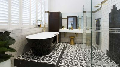 Fail: Dan and Carleen's master bathroom