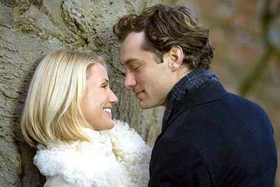 Then cosied up to Jude Law for <i>The Holiday</i> in 2006.<br/><br/>(Image: Universal Pictures)