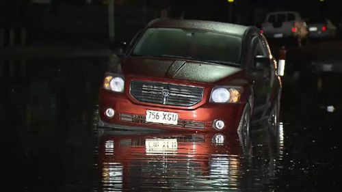 Coastal and low-lying suburbs are being warned of king tides around 2.7 metres, peaking tonight and tomorrow night. Picture: 9NEWS
