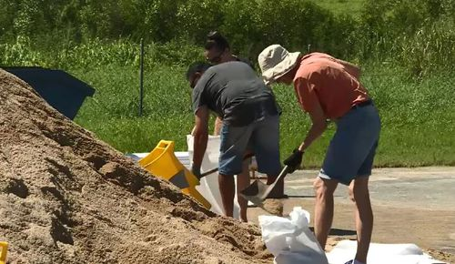 Sandbagging underway in Far North Queensland. (9NEWS)