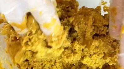 @Cakemail's caramel mud cake cake-pop hack