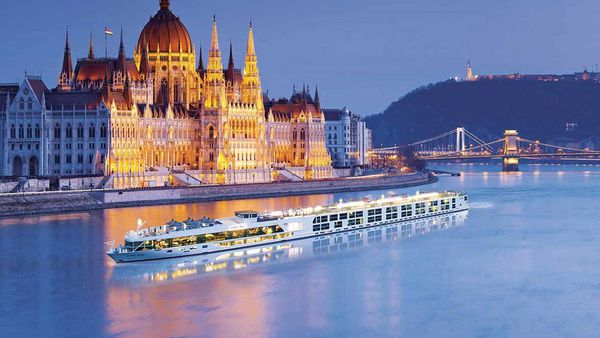 Scenic river cruise Amsterdam to Budapest Christmas Cruise