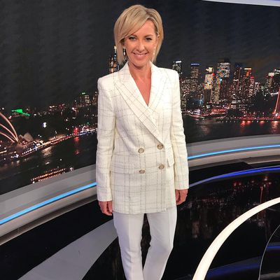 Deborah Knight – Host