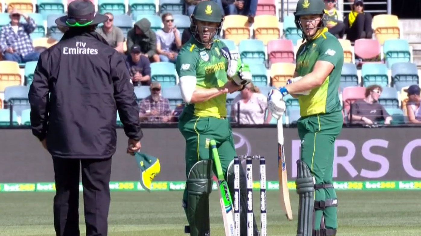 Umpire 'didn't hear' review: South Africa