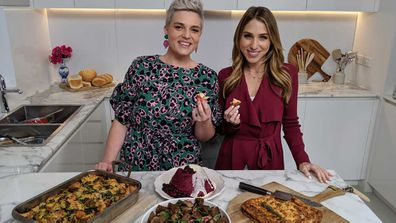 Food presenter Jane de Graaff and Today Extra's Britt Cohen talk about why stale bread is better
