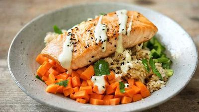 "<a href=""http://kitchen.nine.com.au/2017/03/31/12/25/salmon-sushi-bowls"" target=""_top"" draggable=""false"">Salmon sushi bowls</a> recipe"