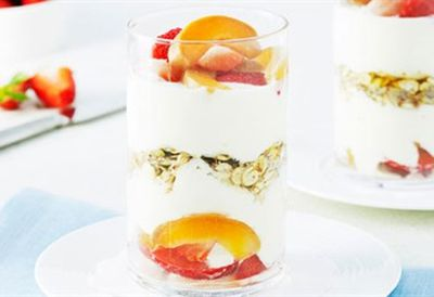 Rolled barley fruit trifle