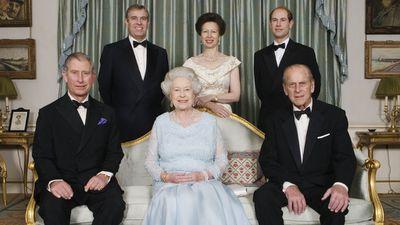 Royal mums: Queen Elizabeth