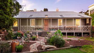 For the first time in 30 years, a unique St Kilda timber cottage dating back to 1854 is up for sale.<br><br>The house has been restored to its original condition, with a few modern additions.<br><br>The 161-year-old farmhouse is expected to fetch at least $1 million when it goes under the hammer.<br><br><b>Click through the gallery to see more pictures from inside the lovingly-restored farm</b><strong>house.(Supplied, Pride Real Estate)</strong>