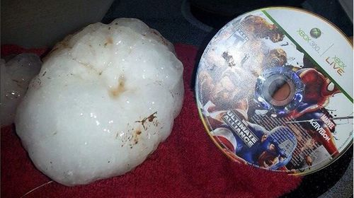 Massive hailstones force jet to abandon take-off