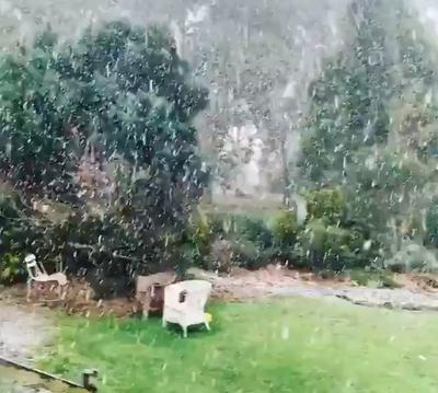 Ballarat snow coming down heavy