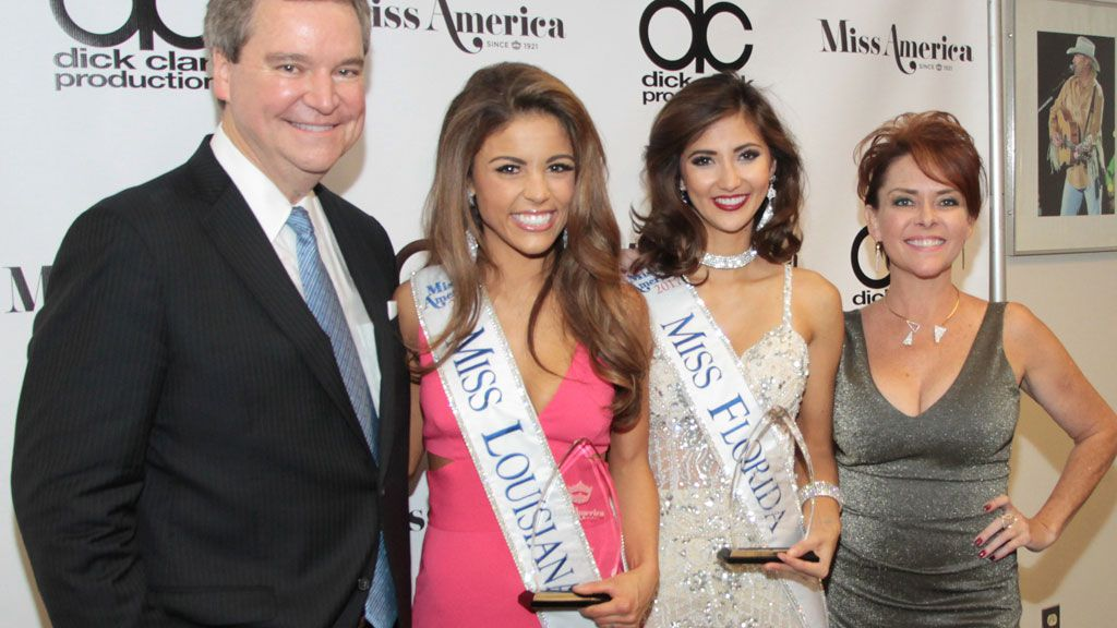 Miss America officials resign, 1 apologises to ex-winner